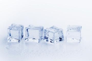 Künstliches Eis